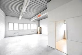 Autres de 100 m² à louer - ref:10198191