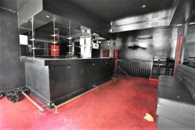 Boutiques / Locaux commerciaux de 100 m² à louer - ref:10189570