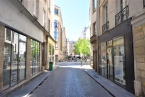 Boutiques / Locaux commerciaux de 120 m² à louer - ref:10198787