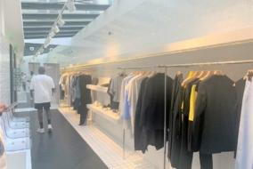 Boutiques / Locaux commerciaux de 123 m² à louer - ref:10199263
