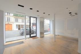 Boutiques / Locaux commerciaux de 126 m² à louer - ref:10199831