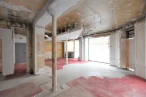 Boutiques / Locaux commerciaux de 140 m² à louer - ref:10196904