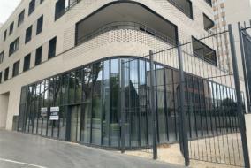 Boutiques / Locaux commerciaux de 211 m² à louer - ref:10194928