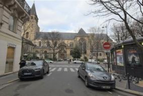 Boutiques / Locaux commerciaux de 228 m² à louer - ref:10197815