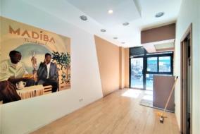 Boutiques / Locaux commerciaux de 32 m² à louer - ref:10200210