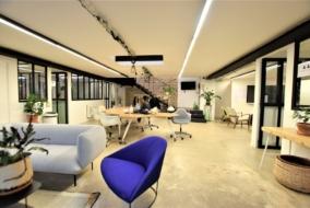 Boutiques / Locaux commerciaux de 420 m² à louer - ref:10199308