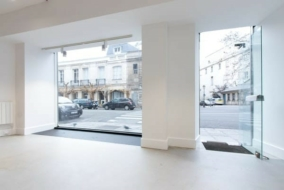 Boutiques / Locaux commerciaux de 43 m² à louer - ref:10198188