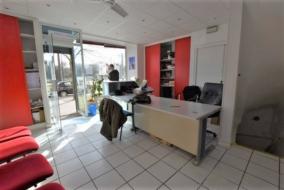 Boutiques / Locaux commerciaux de 44 m² à louer - ref:10198719