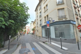 Boutiques / Locaux commerciaux de 44 m² à louer - ref:10200206