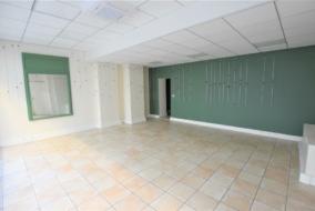 Boutiques / Locaux commerciaux de 45 m² à louer - ref:10188233