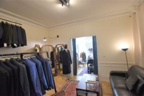 Boutiques / Locaux commerciaux de 56 m² à louer - ref:10199890