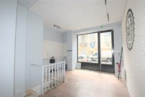 Boutiques / Locaux commerciaux de 62 m² à louer - ref:10196067