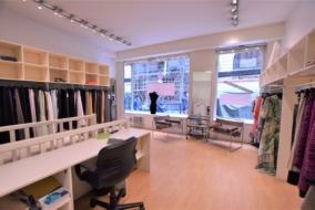 Boutiques / Locaux commerciaux de 66 m² à louer - ref:10199664