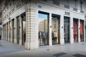 Boutiques / Locaux commerciaux de 700 m² à louer - ref:10199167