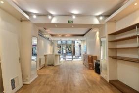 Boutiques / Locaux commerciaux de 70 m² à louer - ref:10195751