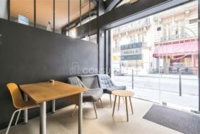 Boutiques / Locaux commerciaux de 74 m² à louer - ref:10199928