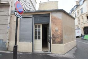 Boutiques / Locaux commerciaux de 82 m² à louer - ref:10199486