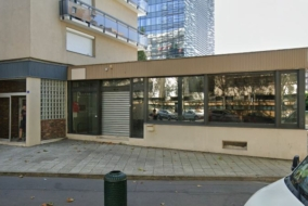 Boutiques / Locaux commerciaux de 869 m² à louer - ref:10200059