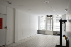 Boutiques / Locaux commerciaux de 88 m² à louer - ref:10199819