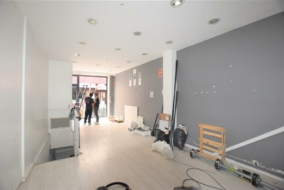 Boutiques / Locaux commerciaux de 95 m² à louer - ref:10198856