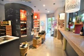 Boutiques / Locaux commerciaux de 95 m² à louer - ref:10199418