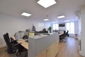 Bureaux de 102 m² à louer - ref:10200325