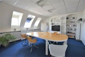 Bureaux de 106 m² à louer - ref:10200006