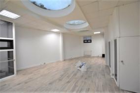 Bureaux de 107 m² à louer - ref:10197634