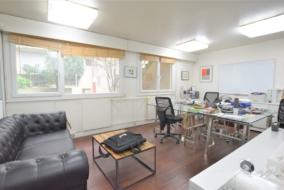 Bureaux de 115 m² à louer - ref:10197917