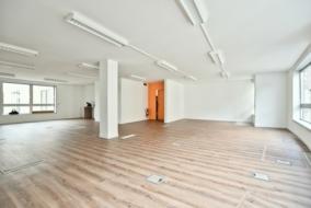 Bureaux de 117 m² à louer - ref:10192549