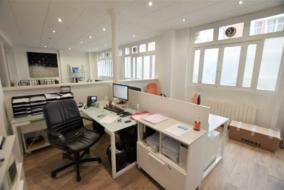 Bureaux de 127 m² à louer - ref:10198901