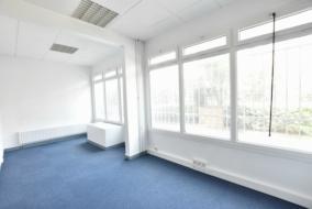 Bureaux de 132 m² à louer - ref:10188553