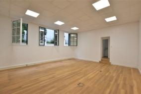 Bureaux de 136 m² à louer - ref:10199484