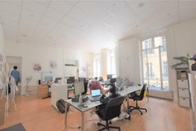 Bureaux de 144 m² à louer - ref:10199859