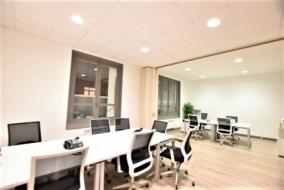 Bureaux de 145 m² à louer - ref:10188397