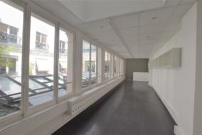 Bureaux de 147 m² à louer - ref:10048358