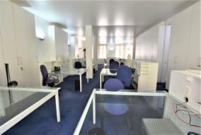Bureaux de 150 m² à louer - ref:10199164