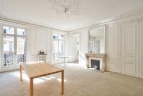 Bureaux de 150 m² à louer - ref:10200137