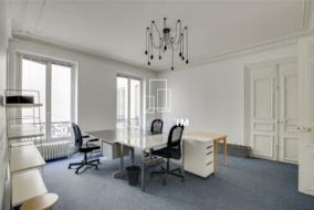 Bureaux de 153 m² à louer - ref:10195696