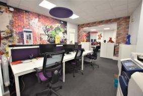 Bureaux de 159 m² à louer - ref:10197286