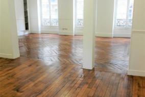 Bureaux de 160 m² à louer - ref:10196652