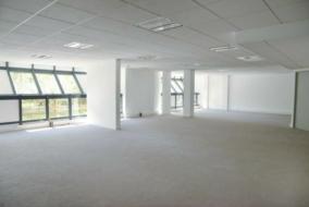 Bureaux de 163 m² à louer - ref:10197834