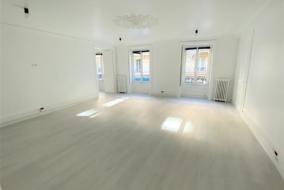 Bureaux de 165 m² à louer - ref:10198584