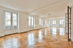 Bureaux de 173 m² à louer - ref:10200217