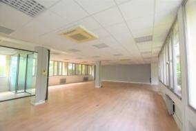Bureaux de 175 m² à louer - ref:10196810