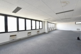Bureaux de 180 m² à louer - ref:10187672