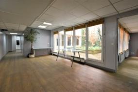Bureaux de 180 m² à louer - ref:10197779