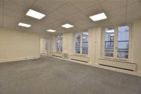 Bureaux de 180 m² à louer - ref:10198930