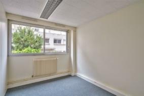 Bureaux de 185 m² à louer - ref:10198840