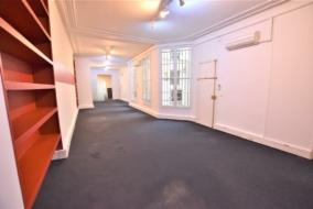 Bureaux de 186 m² à louer - ref:10198647